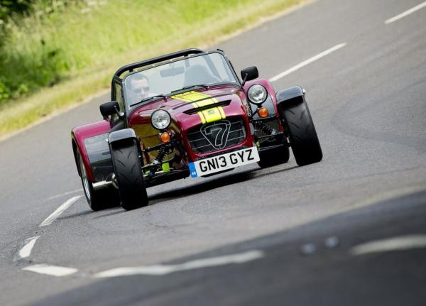 Caterham 620R : furie inoxydable